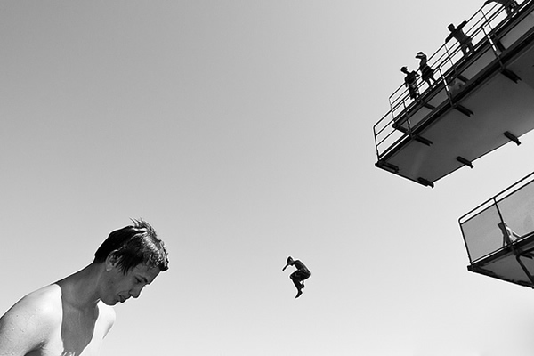Peter Levi - Segundo plano.jpg
