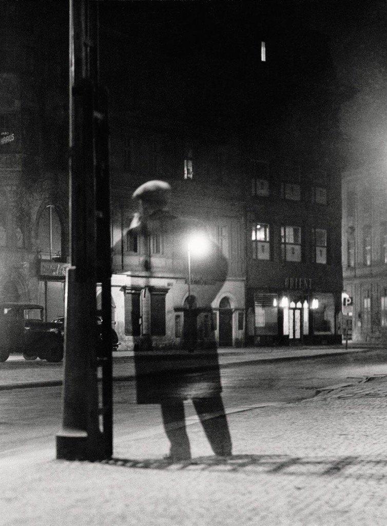 Vaclav Chocola Noční chodec Night walker 1949.jpg